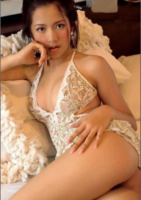 why not enjoy the smoothing and high quality massage from good looking girl